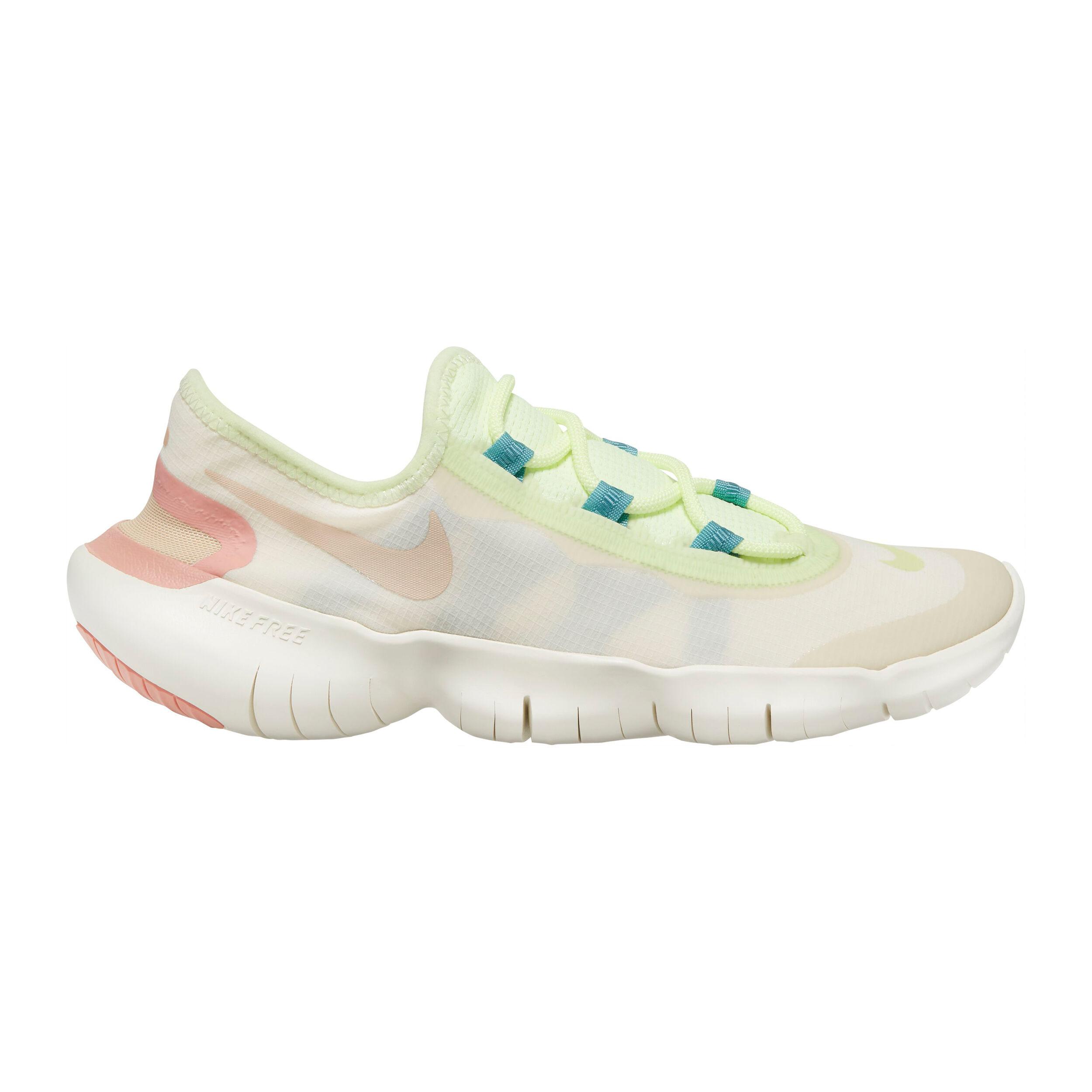 Run 5.0 Neutral Running Shoe Women